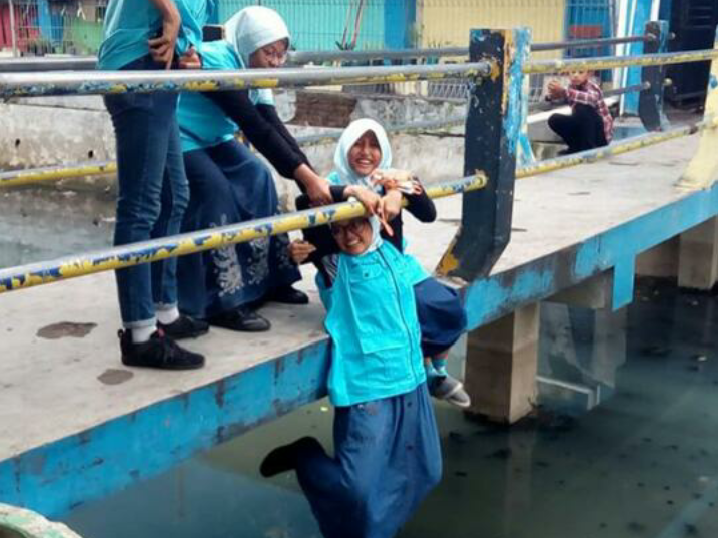 Competition Of Photography – Ellyna 8D dan Raihan 7G